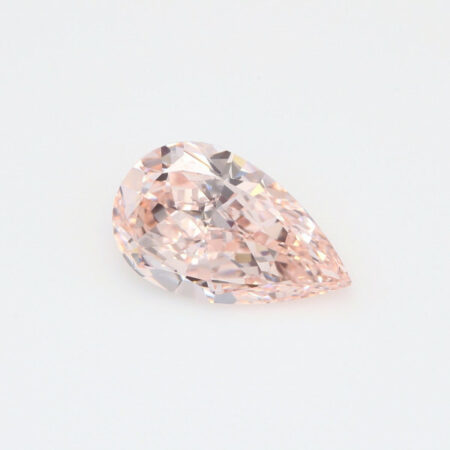 Rosa Diamant in Tropfenform