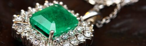 5 Must Have Jewelry Books To Make Your Library Shine Thumb