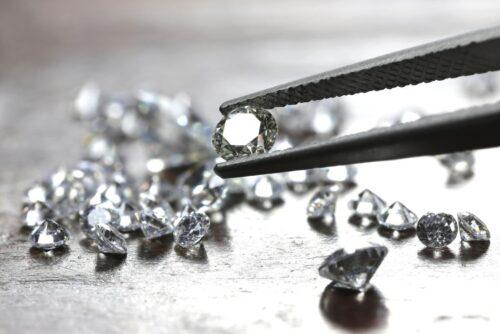 Diamanten mit unterschiedlichem Gewicht in Karat