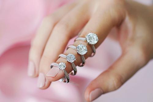 Diamant Ringe mit Diamanten in unterschiedlichem Karatgewicht